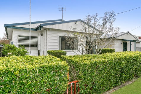 52 Davis Ave, Davistown, 2251, Central Coast - House / Rest, Nest Or Invest / Garage: 2 / Secure Parking / Air Conditioning / Toilets: 1 / P.O.A