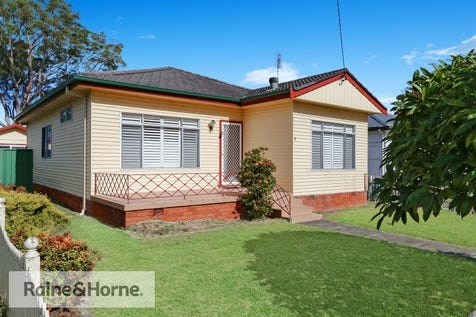 2 Alma Avenue, Blackwall, 2256, Central Coast - House / AWESOME IN ALMA / Carport: 1 / $649,000