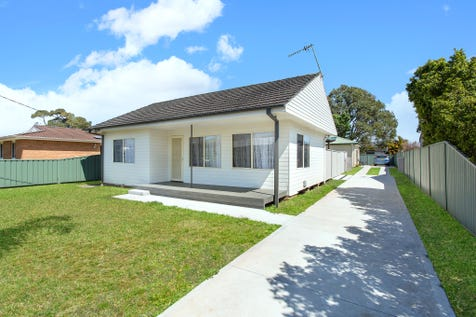 15 Kathleen White Crescent, Killarney Vale, 2261, Central Coast - House / Home + Council Approved Granny Flat / Garage: 1 / P.O.A