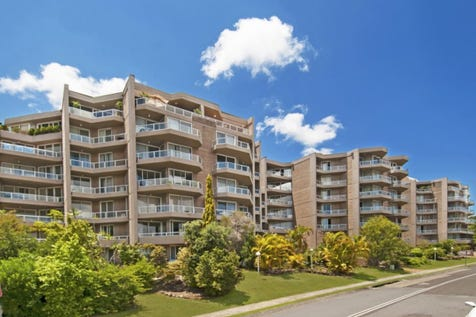 6/91-95 John Whiteway Drive, Gosford, 2250, Central Coast - Apartment / Spacious apartment with water views / Garage: 1 / $469,000