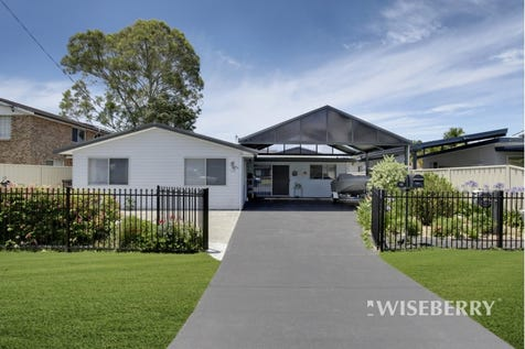 15 Moloki  Avenue, Chittaway Bay, 2261, Central Coast - House / COMFORT AND SPACE IN WATERSIDE LOCATION / Garage: 2 / $520,000