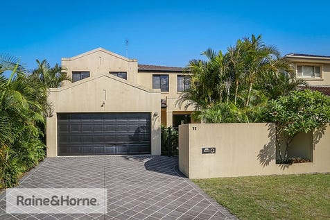 72 Helmsman Boulevard, St Huberts Island, 2257, Central Coast - House / UNBEATABLE VALUE EXPANSIVE 5 BEDROOM WATERFRONT / Balcony / Garage: 2 / Secure Parking / Air Conditioning / Toilets: 3 / $1,550,000