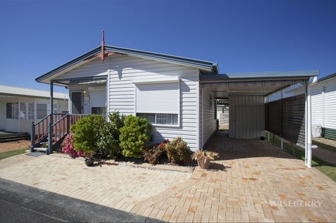 186/150 Tall timbers Road, Chain Valley Bay, 2259, Central Coast - House / NEVER ENDING HOLIDAY! / Garage: 1 / $210,000
