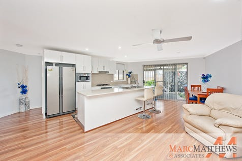 2/20 Bowden Road, Woy Woy, 2256, Central Coast - Unit / Convenience & Style - Close To Waters Edge! / Courtyard / Fully Fenced / Outdoor Entertaining Area / Shed / Garage: 1 / Remote Garage / Secure Parking / Broadband Internet Available / Built-in Wardrobes / Dishwasher / Floorboards / Gas Heating / Intercom / $549,000