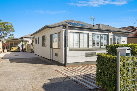 21 Pacific St, Long Jetty, 2261, Central Coast - House / LOCATION, LOCATION, LOCATION ! / Garage: 1 / P.O.A