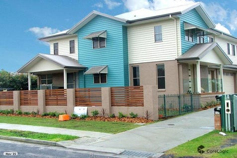 1/12 Sorrento Road, Empire Bay, 2257, Central Coast - House / Modern Fashionable Townhome $550,000 - $575,000 / Balcony / Carport: 1 / Garage: 1 / Secure Parking / Air Conditioning / Alarm System / Floorboards / Toilets: 1 / $550,000