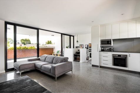 4/19 Lindsay Street, Perth, 6000, Perth City - Apartment / Award Winning Warehouse Conversion In Sought After Location / Balcony / Fully Fenced / Outdoor Entertaining Area / Shed / Carport: 1 / Secure Parking / Air Conditioning / Broadband Internet Available / Built-in Wardrobes / Dishwasher / Intercom / $600