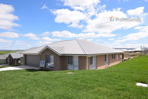 Dwelling 2/11 Barr Street, Windradyne, 2795, Central Tablelands - House / BRAND NEW IN WINDRADYNE  / Garage: 2 / Ensuite: 1 / Toilets: 2 / $427,000
