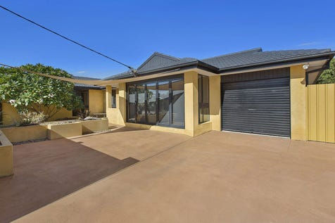 7 Paraka Close, Umina Beach, 2257, Central Coast - House / LUXURY FAMILY HOME / Swimming Pool - Inground / Carport: 1 / Garage: 1 / Open Spaces: 1 / Secure Parking / Air Conditioning / $890,000