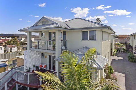 1/ 82-84 Hutton Road, The Entrance North, 2261, Central Coast - House / Stunning Location, Close to Beach! / Garage: 2 / $695,000