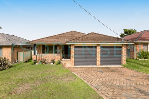 62 Roper Road, Blue Haven, 2262, Central Coast - House / UNBEATABLE VALUE IN GREAT LOCATION! / Garage: 2 / Secure Parking / $525,000
