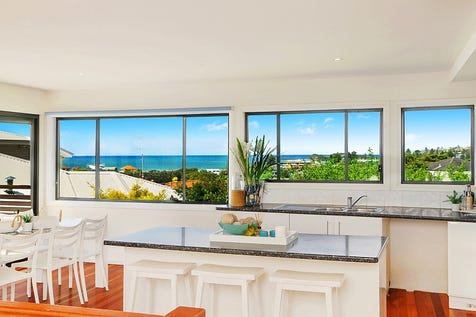 43 Willoughby Road, Terrigal, 2260, Central Coast - House / Buyers Guide ; $1.275m / Garage: 4 / P.O.A