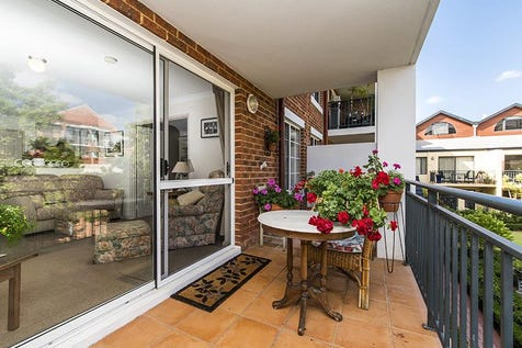 4/20 Pendal Lane, Northbridge, 6003, Perth City - Apartment / STYLISH MODERN APARTMENT - Charming, Historic, Stunning Village Style Complex / Balcony / Deck / Fully Fenced / Outdoor Entertaining Area / Outside Spa / Swimming Pool - Inground / Garage: 1 / Remote Garage / Secure Parking / Air Conditioning / Dishwasher / $485,000