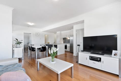 7/226 Beaufort Street, Perth, 6000, Perth City - Apartment / STYLE, CONVENIENCE AND VIEWS! / Balcony / Garage: 1 / Secure Parking / Air Conditioning / Floorboards / $489,000