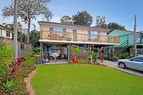 4 The Peninsula, Killarney Vale, 2261, Central Coast - House / Selling with Craig & Blake! / Garage: 1 / $550,000