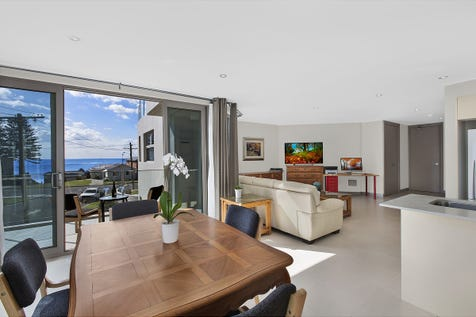 6/87-89 Ocean Parade, The Entrance, 2261, Central Coast - Unit / Everyday is a holiday / Garage: 2 / Living Areas: 1 / $850,000