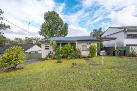 5 Barree Avenue, Narara, 2250, Central Coast - House / Dual Occ/Granny Flat Potential - 809m2 Block!! / Carport: 1 / $540,000