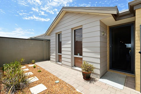 24 Coree Lane, Ellenbrook, 6069, North East Perth - House / NOT SO SQUEAZY / Garage: 2 / Ensuite: 1 / Living Areas: 2 / Toilets: 2 / $365,000