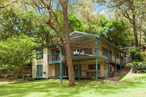 28 Coasters Retreat, Coasters Retreat, 2108, Northern Beaches - House / Secluded Family Bush Oasis Set On Pittwater / Balcony / Floorboards / $1,200,000