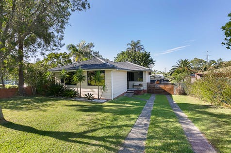 20 Ahina Avenue, Halekulani, 2262, Central Coast - House / BEAUTIFULLY RENOVATED / Garage: 2 / Secure Parking / Air Conditioning / Toilets: 1 / P.O.A