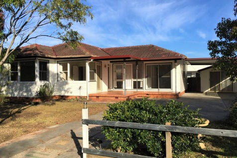 25 Ravenswood Street, Mannering Park, 2259, Central Coast - House / NEW PRICE - IDEAL LOCATION, GREAT OPPORTUNITY / Carport: 2 / Garage: 1 / $480,000