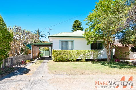 138 Paton Street, Woy Woy, 2256, Central Coast - House / Centrally Located House + Self-Contained Sleep-Out / Deck / Shed / Carport: 1 / Open Spaces: 1 / Air Conditioning / Built-in Wardrobes / Floorboards / Reverse-cycle Air Conditioning / Study / Toilets: 2 / $690,000