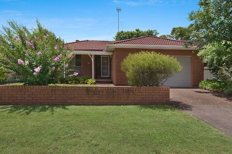 19 Colleen St, Berkeley Vale, 2261, Central Coast - House / SOLID OPPORTUNITY ! / Garage: 2 / Open Spaces: 1 / Secure Parking / Built-in Wardrobes / Ensuite: 1 / P.O.A