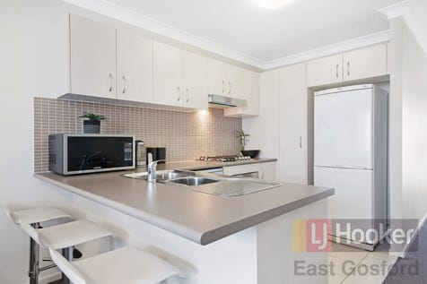 19/3 Gahnia Place, Hamlyn Terrace, 2259, Central Coast - Townhouse / Spacious Modern Townhouse / Garage: 2 / Air Conditioning / Built-in Wardrobes / Dishwasher / Ensuite: 1 / $434,000