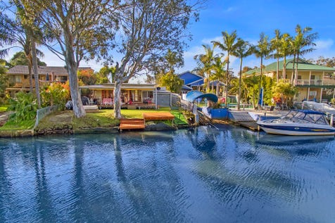 176 Geoffrey Road, Chittaway Point, 2261, Central Coast - House / WATERFRONT PARADISE / Garage: 4 / $850,000