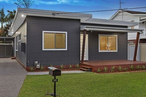 29 Adelaide Street, Tumbi Umbi, 2261, Central Coast - House / 'UNDER CONTRACT - BOND, JUSTIN BOND' / Garage: 1 / $699,000