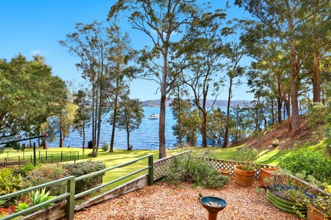 1/309 Avoca Drive, Green Point, 2251, Central Coast - House / Waterfront Haven / Balcony / Garage: 2 / Secure Parking / Air Conditioning / $710,000