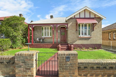 30 Lithgow Street, Lithgow, 2790, Central Tablelands - House / Stunning Renovation in Town Centre - Potential commercial investment opportunity! / Balcony / Deck / Fully Fenced / Outdoor Entertaining Area / Shed / Garage: 2 / Open Spaces: 2 / Secure Parking / Built-in Wardrobes / Ducted Heating / Floorboards / $425,000