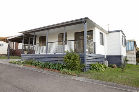143/186 Sunrise Avenue, Halekulani, 2262, Central Coast - Retirement Living / Lovingly Renovated Like-new Mobile Home in Bevington Shores Over 50's Lifestyle Village on the Central Coast / Balcony / Carport: 1 / Built-in Wardrobes / Dishwasher / Split-system Air Conditioning / Living Areas: 1 / Toilets: 1 / $180,000