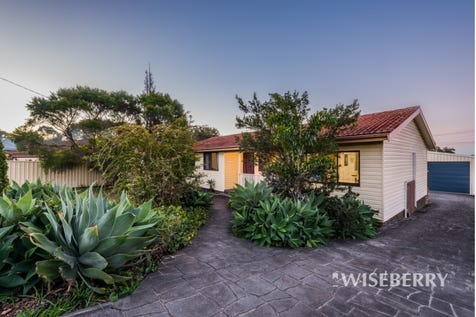 17 Alpine Avenue, San Remo, 2262, Central Coast - House / Calling all first home buyers! / Garage: 2 / Air Conditioning / $460,000