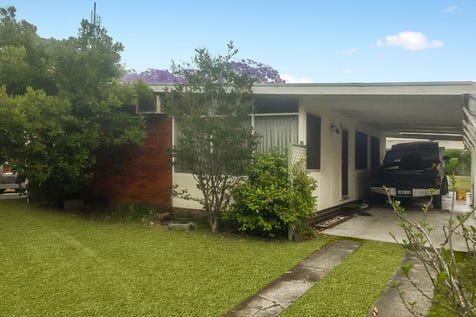 125 Paton Street, Woy Woy, 2256, Central Coast - House / LARGE LEVEL BLOCK 695M2 IN TOTAL / Carport: 1 / $625,000