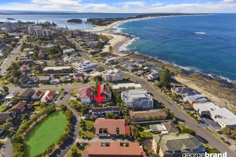 2/2 The Crescent, Blue Bay, 2261, Central Coast - Townhouse / LIVE BY THE SEA / Garage: 1 / Air Conditioning / Living Areas: 1 / Toilets: 2 / $610,000