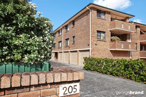 6/205 Albany Street, Point Frederick, 2250, Central Coast - Unit / 400M TO THE WATERFRONT / Garage: 1 / $420,000