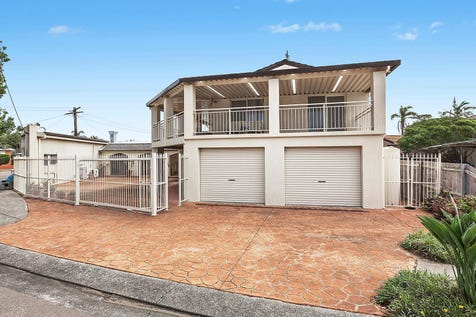 20 Hargraves Street, The Entrance North, 2261, Central Coast - House / great lifestyle and investment opportunity  / Garage: 2 / $1,100,000