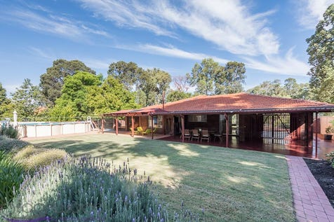 4 Hawdon Street, Stoneville, 6081, North East Perth - House / THAT '70S SHOW / Outdoor Entertaining Area / Shed / Swimming Pool - Above Ground / Carport: 1 / Broadband Internet Available / Toilets: 1 / $479,000