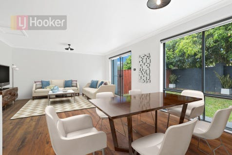 2/27 Aurora Place, Bateau Bay, 2261, Central Coast - Townhouse / Completely Renovated Luxury Townhouse / Garage: 1 / $450,000