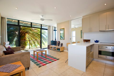 2/9 Avalon Pde, Avalon Beach, 2107, Northern Beaches - Apartment / BEACHSIDE with VIEWS! / Garage: 1 / $955,000
