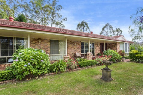 72 Cambourn Drive, Lisarow, 2250, Central Coast - House / Spacious Single Level Home – Prime Location / Garage: 2 / $730,000