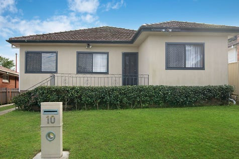 10 Donnison Street, West Gosford, 2250, Central Coast - House / AUCTION / Garage: 2 / P.O.A