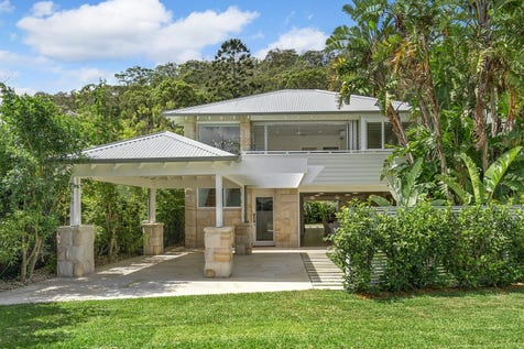 3 Iluka Road, Palm Beach, 2108, Northern Beaches - House / Family beachside haven / Balcony / Carport: 2 / Secure Parking / Air Conditioning / Floorboards / Toilets: 4 / $3,600,000