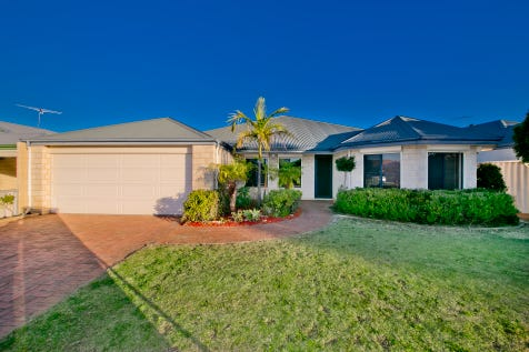 15 Hillwater Prom, Bennett Springs, 6063, North East Perth - House / IMPRESSIVE AND MASSIVE FAMILY HOME / Garage: 2 / Secure Parking / Air Conditioning / Toilets: 2 / $459,000