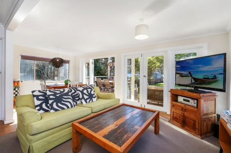 5A Wagstaffe Avenue, Wagstaffe, 2257, Central Coast - House / Charming Rustic Cottage / Balcony / Garage: 2 / Floorboards / Toilets: 2 / $895,000