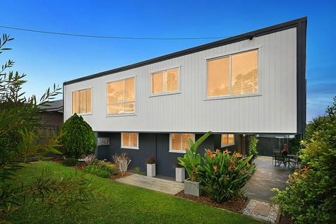 62 Craigie Avenue, Kanwal, 2259, Central Coast - House / Stunning Renovated Arthouse Style Home / Garage: 1 / $548,000