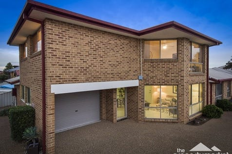 1/18 Karooah Avenue, Blue Bay, 2261, Central Coast - Townhouse / Beachside Beauty / Garage: 1 / Toilets: 2 / $680,000
