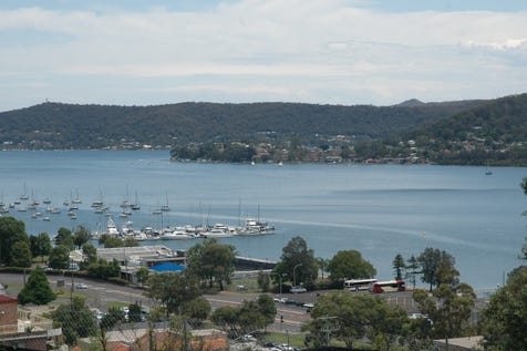 31/91-95 John Whiteway Drive, Gosford, 2250, Central Coast - Apartment / Spacious apartment with magnificent water views / Garage: 1 / $480,000