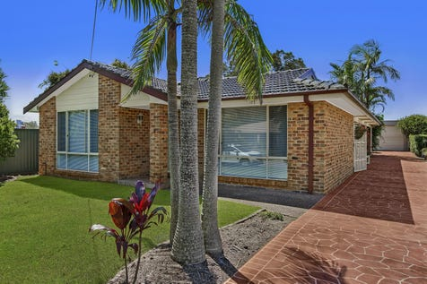 4 McLachlan Ave, Long Jetty, 2261, Central Coast - House / Beach Side Living with Ultimate 'Man Cave' / Garage: 2 / $680,000